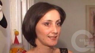 Chein spasum - Anjela Tovmasyan, Hayeli