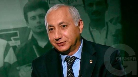 Haxtanak kertoxner - Hrachya Petikyan