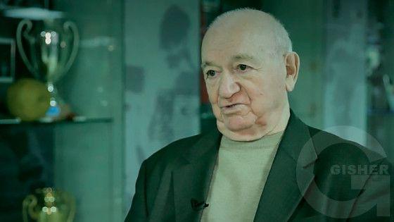 Haxtanak kertoxner - Nikita Simonyan