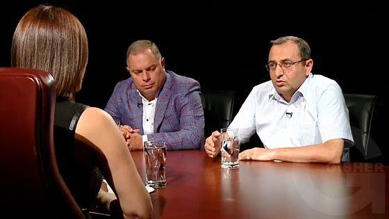 Hayelu araj - Hovhannes Sahakyan, Artsvik Minasyan